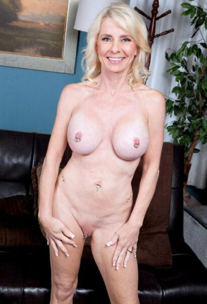 Thanina, 44 cherche une compagnie agréable